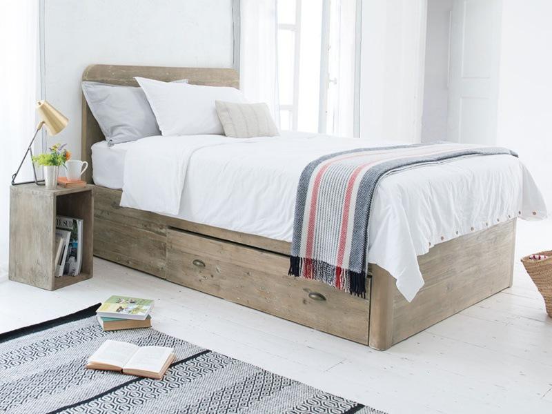 1741406-woody-storage-bed