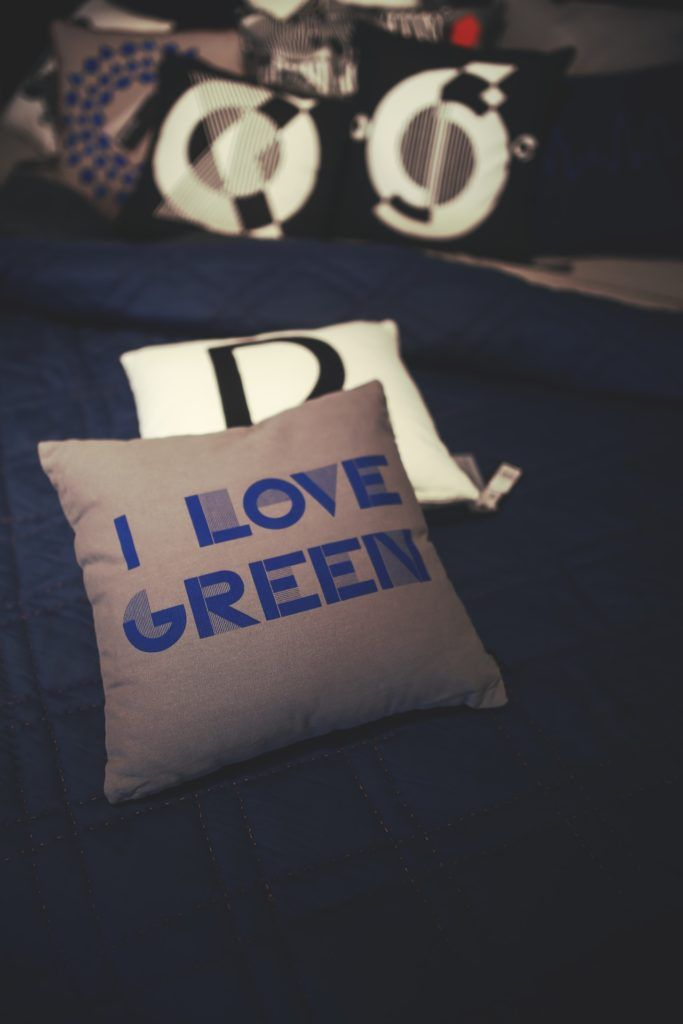 love-blue-bed-gift