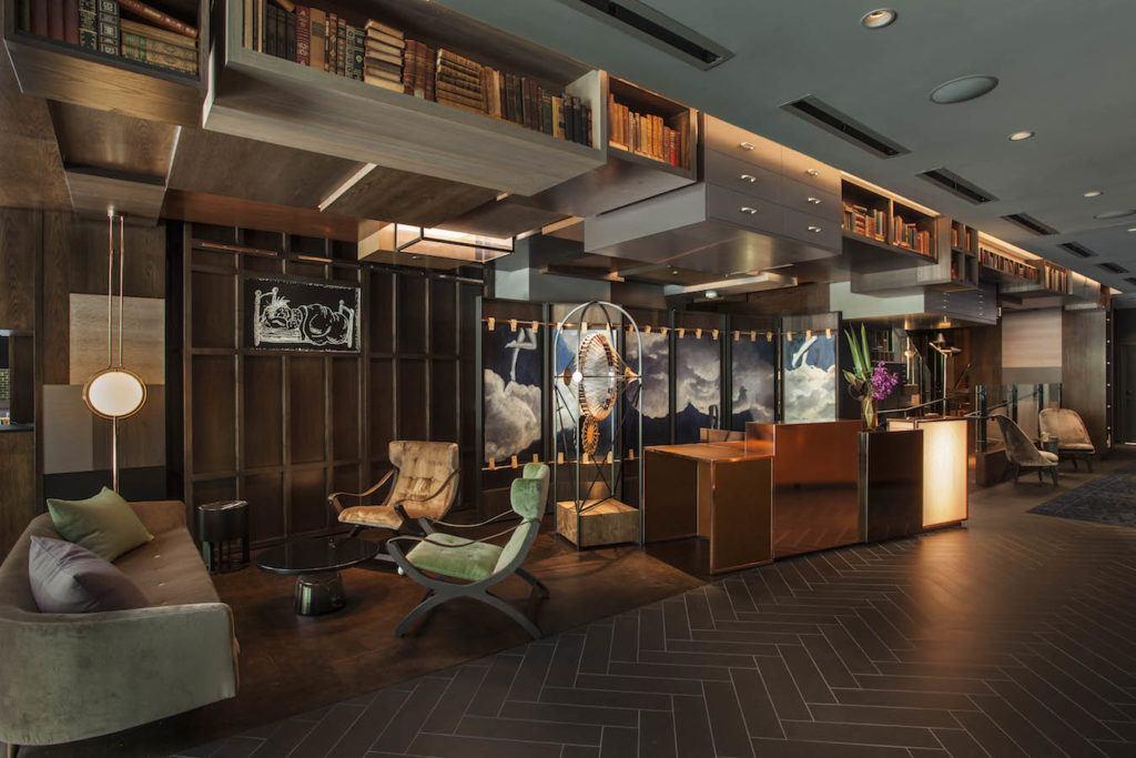Hotel EMC2_Lobby